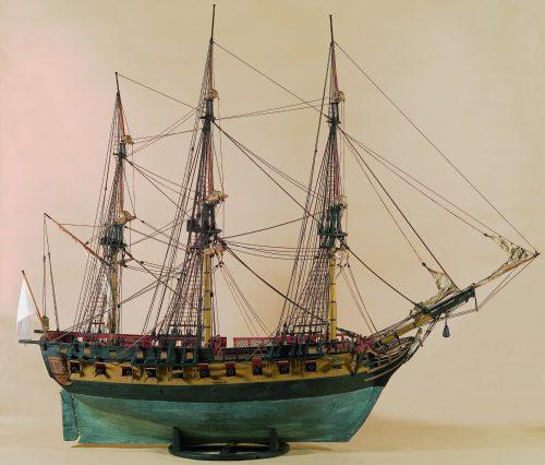 bâteau la nymphe du musée de la marine de la ville de honfleur